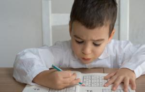 Comment aider mon enfant dyscalculique à surmonter ses difficultés ?